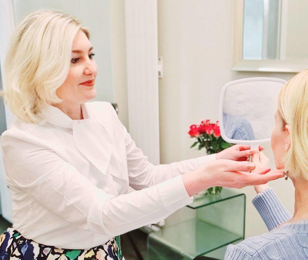 Foto 3D Hautanalyse, Mit der 3D-Hautanalyse lässt sich die Biographie der Haut sichtbar machen: In nur 30 Minuten erstellen die ENVIRON™-Hautexperten eine genaue Diagnose Ihres Hautbilds.